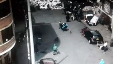Bronx: Un vídeo demuestra cómo sacan a muertos del lugar