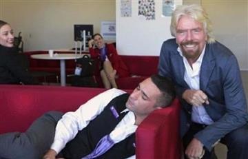 Se quedó dormido y su jefe lo pilló