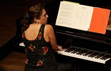 La pianista rusa Elena Bashkirova vuelve a Bogotá