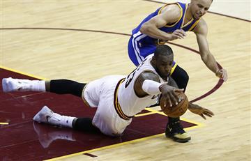 NBA: Curry agrede al público de los Cavs por culpa de LeBron
