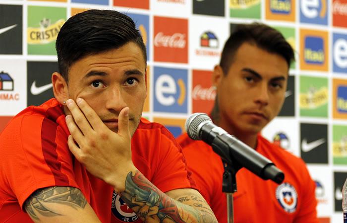 Aránguiz y Vargas hablan de la selección Colombia. Foto: EFE