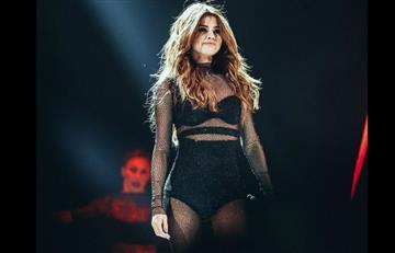 Selena Gómez se cae durante concierto en Oklahoma