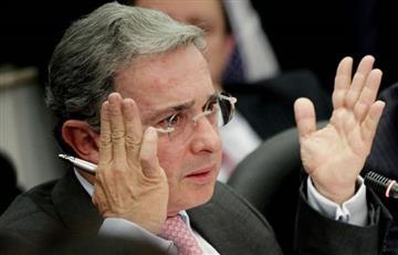 ¿Álvaro Uribe y paramilitares en Venezuela?