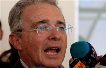 Álvaro Uribe no recibirá premio de Universidad Española