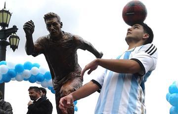 Messi: Con esta estatua piden al argentino que no renuncie