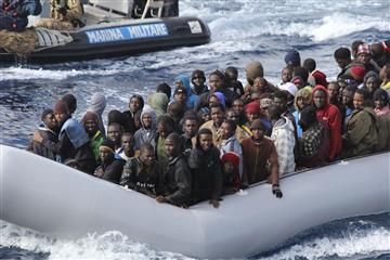 Palizas, violaciones y extorsión, la realidad de los migrantes en Libia