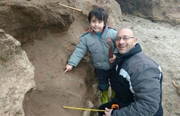Niño encuentra restos fósiles de más de 500 mil años