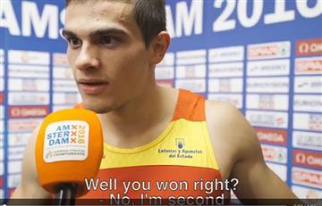 Video: este atleta se entera que gana, en una entrevista