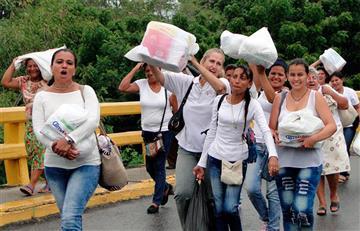 Multitud de venezolanos cruza frontera por alimentos y medicinas
