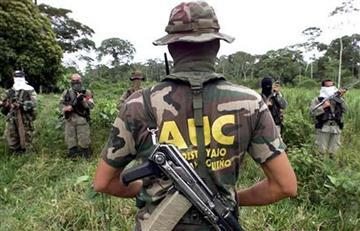 Autodefensas intimidan a los pobladores de Sincelejo