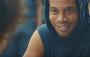 Ronaldinho: El brasileño es el estelar de un nuevo comercial