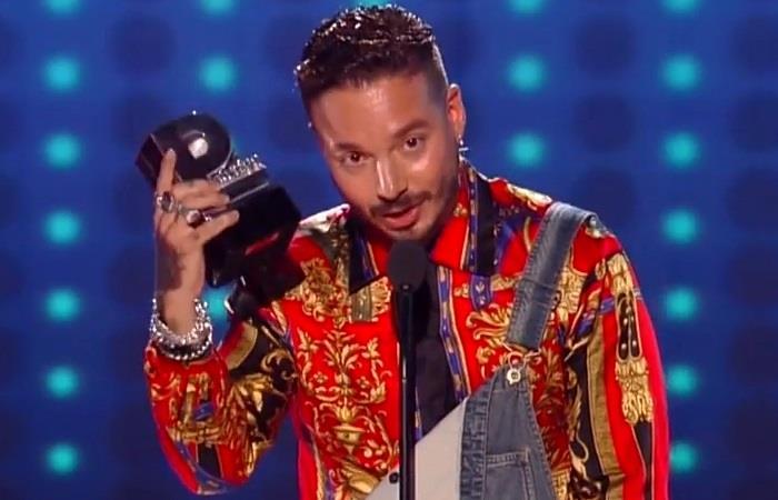 J. Balvin, galardonado en los Premios Juventud