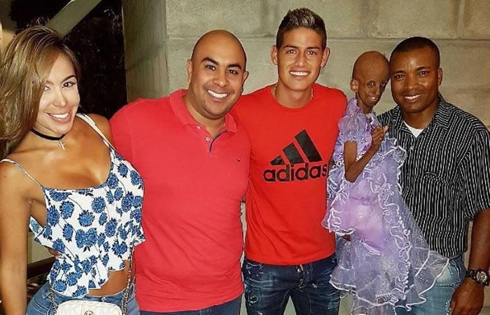 James en compañía de Magali y su familia. Foto: Instagram