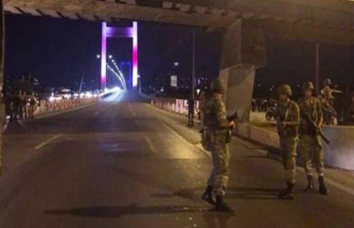 """El primer ministro, Binali Yildirim, ha indicado: """"Hay probabilidad de un levantamiento militar"""". Foto: Twitter"""