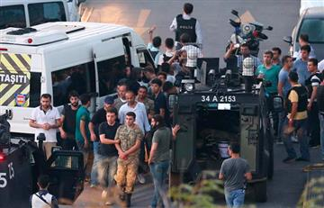 Fracasa intento de golpe militar en Turquía