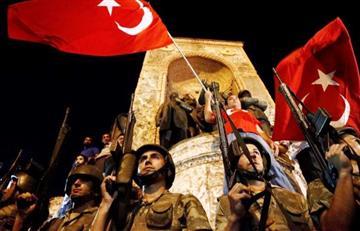 Turquía: Comandantes militares se pronuncian contra el golpe