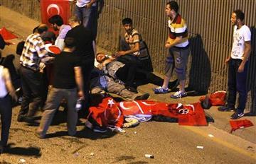 Turquía: Más de 40 muertos tras tentativa de golpe militar