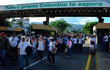 Venezuela abre paso fronterizo con Colombia por 12 horas