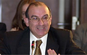 Gobierno pide a las FARC no insultar a Álvaro Uribe