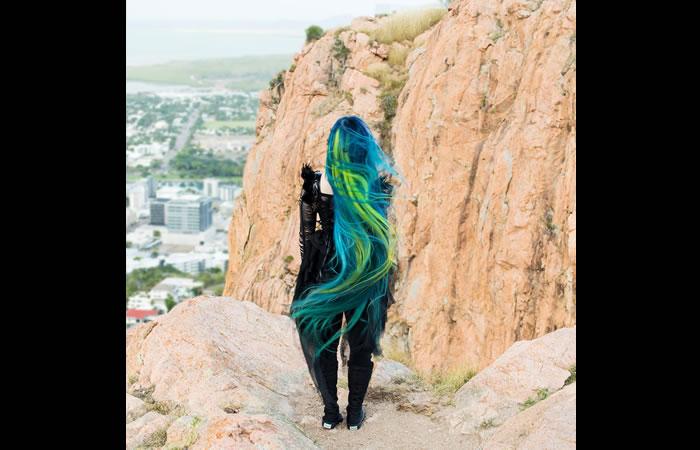 Facebook: La Rapunzel del cabello arcoíris