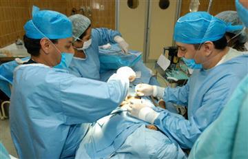 Se prohíbe las cirugías estéticas en menores de edad