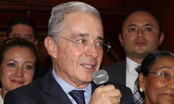 Uribe en contra de soldados cubanos en zonas de concentración
