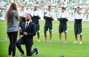 Deportivo Cali: Luis Calderón pidió matrimonio en el entretiempo