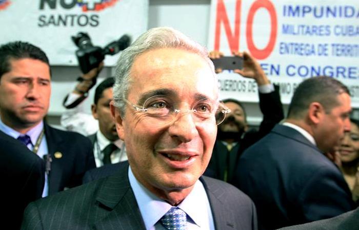 """Plebiscito: Uribe lanzó su campaña por el """"no"""""""