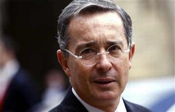 Álvaro Uribe fue rechiflado por estudiantes de Uninorte, en Barranquilla