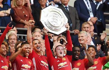 Manchester United logró su primer título con Mourinho