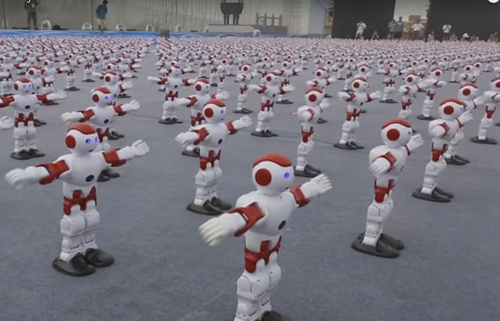 Récord mundial: Cientos de robots bailan al mismo tiempo