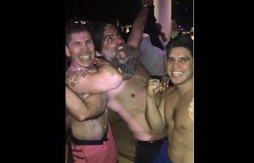 Alejandro Fernández: La piñata en su honor tras la fiesta en Las Vegas