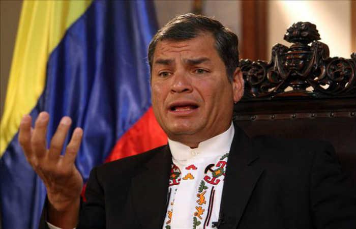 Rafael Correa le dice