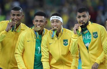 Neymar y sus compañeros se tiñeron el pelo de dorado