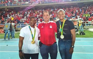 América homenajeó a medallistas olímpicos y metió cinco goles