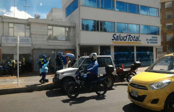 Tres explosiones en sedes de Cafesalud y Salud Total en Bogotá