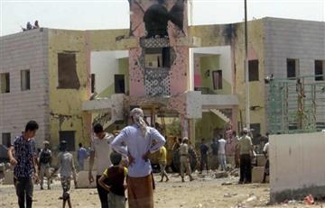 Yemen: Estado Islámico ataca una base de reclutamiento del Ejército