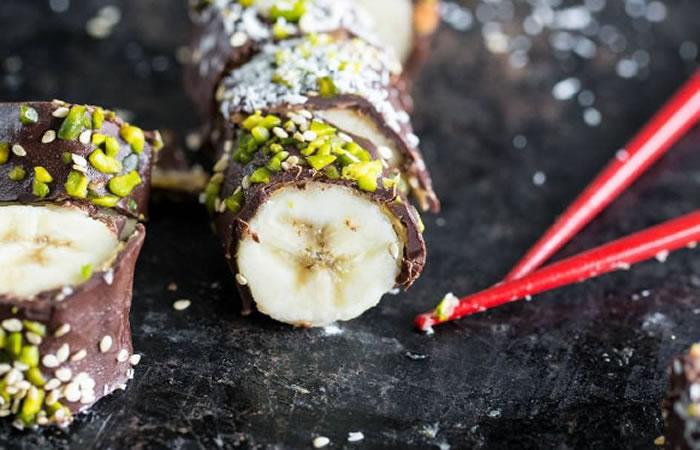 ¿Cómo preparar sushi de banano?