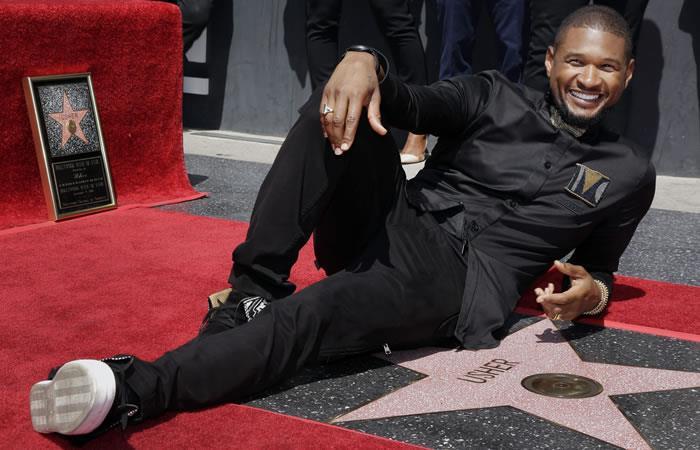 Usher recibe su estrella en el Paseo de la fama