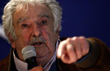 """Expresidente Mujica hace campaña por el """"sí"""""""