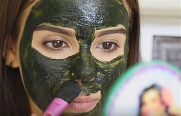 Facebook: Una mascarilla casi le arranca la piel a una joven