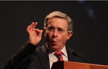 Jóvenes de Ser Pilo Paga le exigen a Uribe una disculpa por irrespetarlos