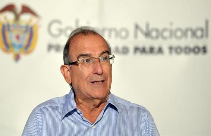Humberto de la Calle invita a Uribe y Pastrana a dialogar