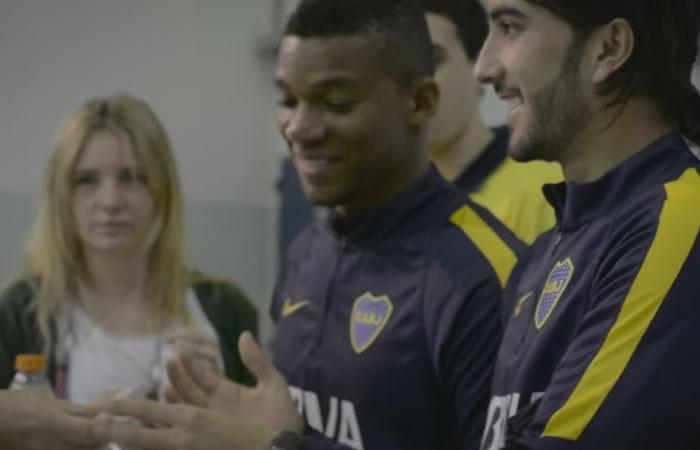 Fabra y Pérez compartieron con los hinchas de Boca. Foto: Youtube