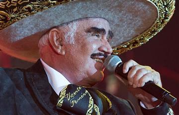 Vicente Fernández le canta un corrido a Hillary Clinton