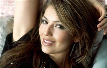 Thalía confiesa y acepta que se le olvidan las letras de sus canciones