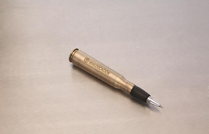 Firma del acuerdo: 'Balígrafo' el símbolo de la paz