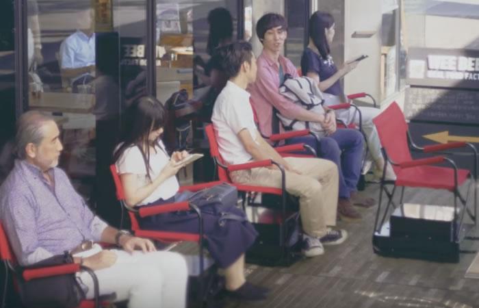 Nissan crea sillas automáticas para hacer fila