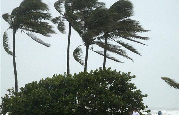 Huracán Matthew mantiene en alerta a la Costa Caribe