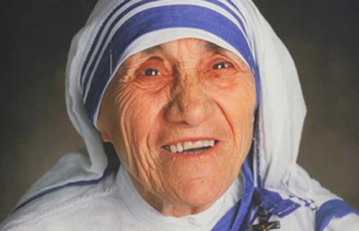 En 1979, Teresa de Calcuta pidió que el dinero se entregara a los pobres de la India. Foto: EFE